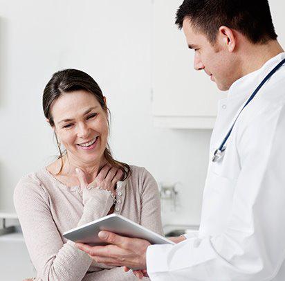 Finanziamenti per interventi chirurgici - donna con dottore