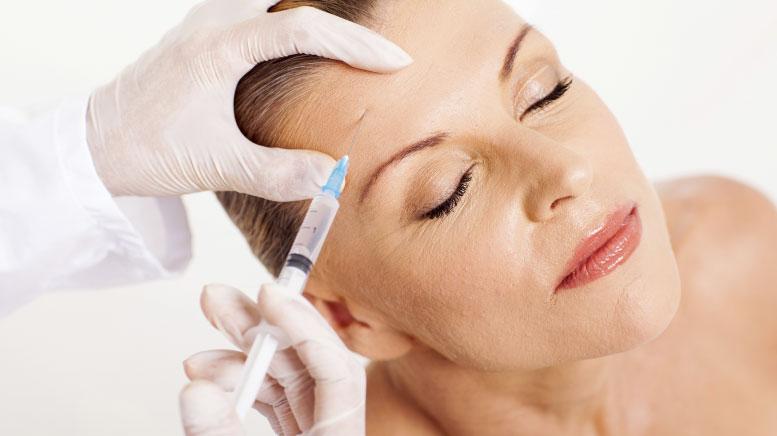 Signora che si sottopone al Botox